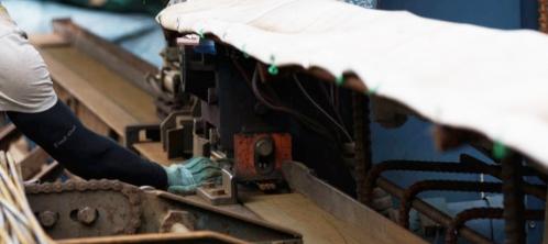 写真:鉄筋加工